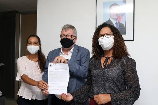 O Acordo de Cooperação Técnica foi assinado pelos secretários João Carlos Oliveira e Fabya Reis, e a diretora-geral do Inema, Márcia Telles.