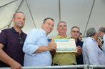 Governador Rui Costa e secretário Geraldo Reis entregaram 7.345 c...