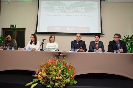Secretário Geraldo Reis participa da mesa de abertura e defende continuidade das ações de fiscalização e monitoramento no bioma em todo Estado.