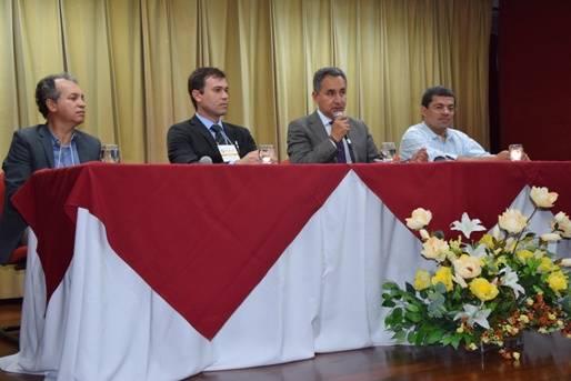 O evento reúne, em Salvador, órgãos estaduais, comitês de bacia e sociedade civil para discutir o aprimoramento da gestão das águas subterrâneas.